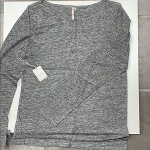 Banana Republic Gray Linen Long Sleeve T-Shirts